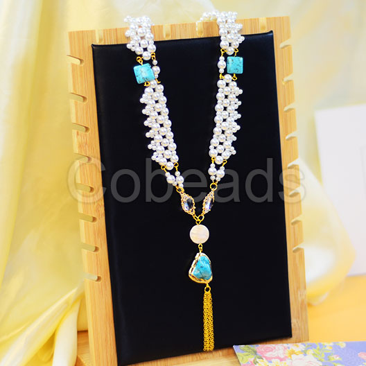 Attractive Pearl Necklace with Gemstone Beads